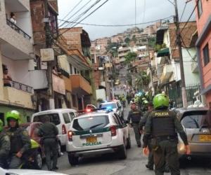 La granada fue lanzada de un taxi