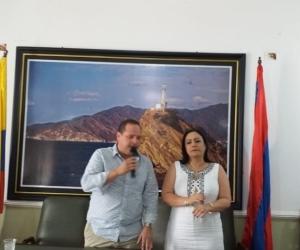Alex Velásquez y Claudia Patricia Aarón, mostraron sus diferencias en plena sesión.