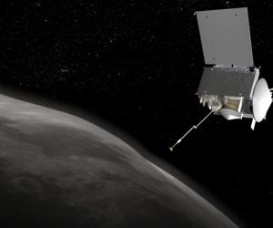 Imagen virtual de la nave OSIRIS-REx junto al asteroide Bennu.
