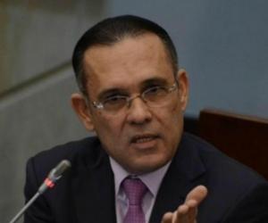 El senador conservador, Efraín Cepeda.