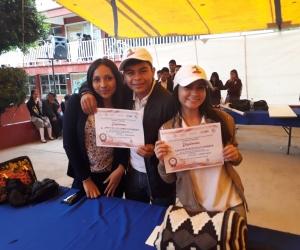A los jóvenes de 'FiloGenios hacia la Politeia' les otorgaron como premio su participación en la edición número quince de la Expocientic Internacional.