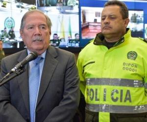 El ministro de Defensa, Guillermo Botero y el director de la Policía, Jorge Hernán Nieto.