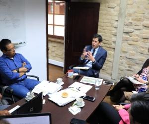 Los líderes cienagueros y funcionarios de la Alcaldía  expusieron todos sus argumentos al Viceministro.