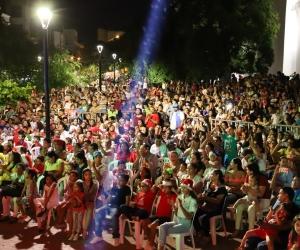 9 mil menores asistieron al show que se dio en la Plaza de la Catedral y en Galicia.