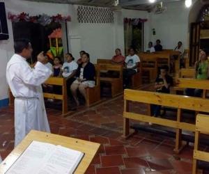 En la parroquia de Minca realizaron misa para celebrar el cumpleaños de Alít David.