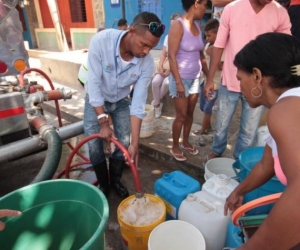 Cerca de 15 barrio ya están sin agua.