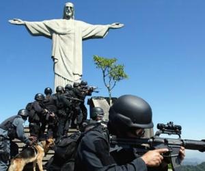 Las Fuerzas Armadas buscan estrategias para controlar la violencia.