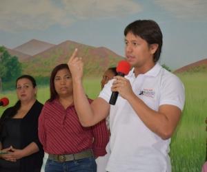 Intervención del candidato Rubén Jiménez, durante el recorrido.