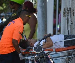 El joven, que dice llamarse Carlos, fue llevado al centro asistencial de María Eugenia