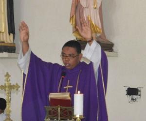 Jorge Peña, párroco de la igleisa Santa Ana.
