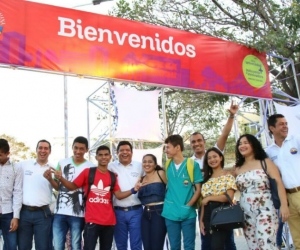 más de 1400 estudiantes disfrutaron del evento de bienvenida.