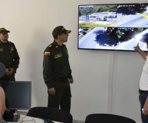 Alcalde hizo entrega de las cámaras de seguridad que vigilarán la zona rural de Santa Marta.
