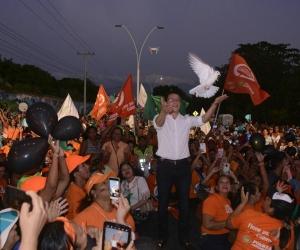Carlos Caicedo, durante su intervención en la Avenida del Río.
