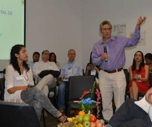 Socialización del proyecto para microempresarios.