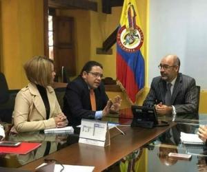 Reunión entre el Alcalde y el Ministro de Vivienda