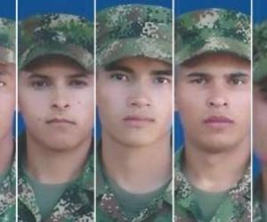 Las víctimas mortales fueron identificadas como Jhónathan Pérez Burbano, Laurentino Peña Peña, Jeisson Peña Rico, Gabriel Pérez Caro y Egdy Pérez.