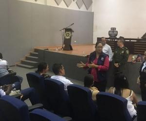 Recibieron una charla en el comando de la Policía.