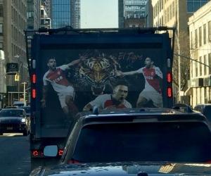 El buen corazón del Tigre se ablandó con un hombre que adornó su vehículo con retratos del goleador del Mónaco.