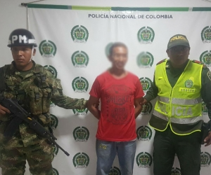 El agresor fue capturado por la Policía y el Ejército.