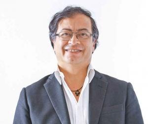 Gustavo Petro ganador de la consulta.