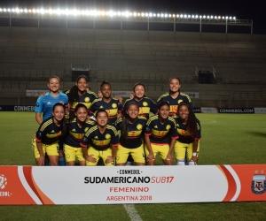 Selección Colombia Femenina sub 17, derrotó a Brasil 1-0. Andrea Pérez (segunda en la parte de arriba, de izquierda a derecha), jugó los 90 minutos.