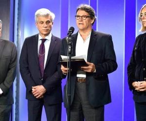 Gustavo Bell e integrantes del equipo negociador.