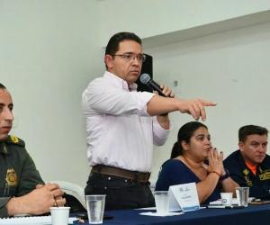 El alcalde socializó la noticia en el barrio Cristo Rey.