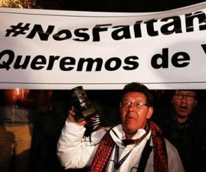Periodistas de Ecuador en vigilia por el secuestro de tres colegas.