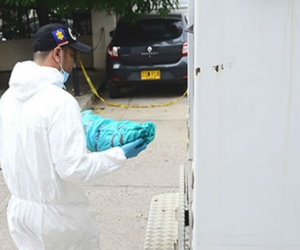 Funcionarios del CTI de la Fiscalía realizaron la inspección al cadáver.