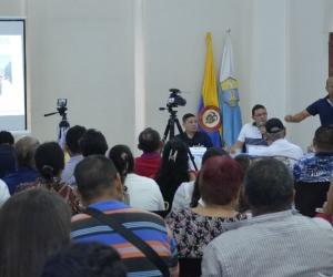 El alcalde ratificó el compromiso de entregar para el mes de junio el estadio Sierra Nevada y para mayo los Centros de Salud.