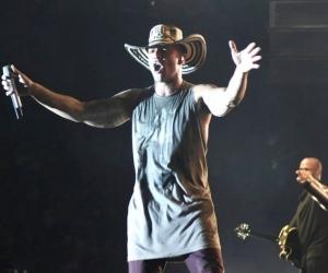 Ricky Martin, luciendo el sombrero vueltiao.