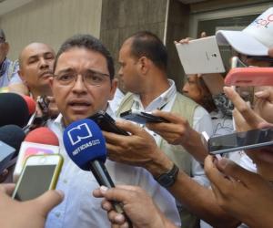 Rafael Martínez, a su llegada a la audiencia en el edificio Galaxia.