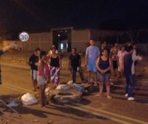 Protestas en la Vía Alterna por falta de agua.