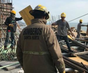 La emergencia dejó varios trabajadores lesionados.