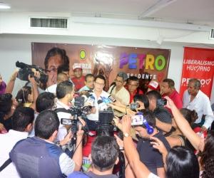 Carlos Caicedo hizo la denuncia ante los medios de comunicación.