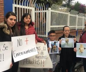 Comunidad del barrio Diana Turbay protestó el envenenamiento.