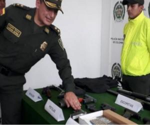 varias de las armas estaban en otra camioneta que estaba en el lugar.