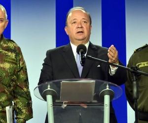 Ministro de Defensa, Luis Carlos Villegas, en rueda de prensa.