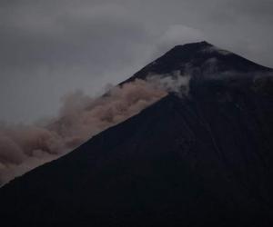 Así se ve la nube ardiente del volcán.