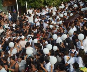 La comunidad de Zarabanda, en Gaira, lamentó la muerte de la pequeña Nataly.