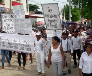 Con pancartas exigiendo justicia, así se llevó a cabo el sepelio de Gilberto Luna, en el municipio de Plato (Magdalena).