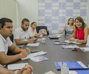 Reunión de funcionarios distritales y el Ministerio de Justicia.