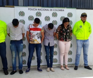 Cuatro de los capturados por fraude en la Universidad del Magdalena.