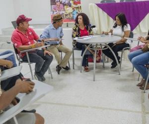 En la mesa de trabajo participaron los líderes de la comunidad Lgtbi
