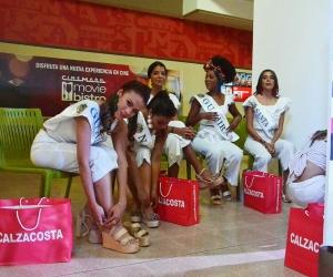 En el Centro Comercial Buenavista donde recibieron de algunos de los patrocinadores, diferentes prendas que  lucirán durante la Fiesta.