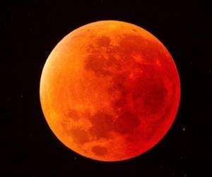 La Luna tomará un color rojo este viernes desde las 8:22 de la noche.