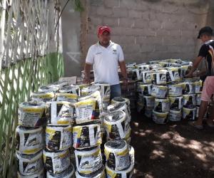 Algunos de los implementos que fueron entregados a los ganaderos del municipio de Pijiño del Carmen.