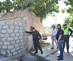 Aspecto de la demolición del muro en el canal Maracaibo, de Ciénaga.