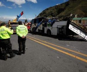 Accidente de tránsito ocurrido hoy cerca de Quito, que dejó 24 víctimas