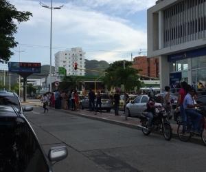 Evacuación de edificios en Santa Marta.